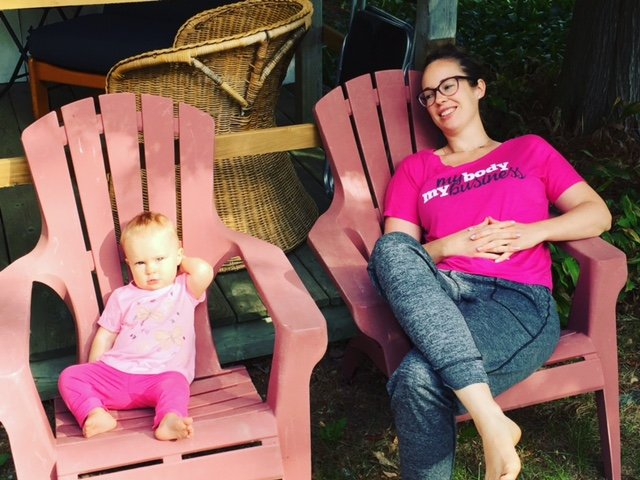 jessie-and-steele-chairs-at-cottage